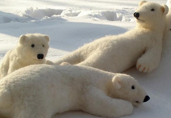BINNE BEAR // white, big and wonderful bear toy