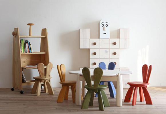 mobilier pour chambre enfant (chaises bunny) par Yu Watanabe pour Hiromatsu