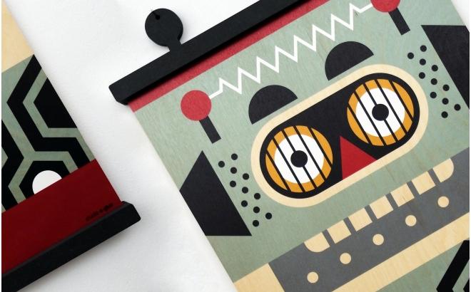 wooden print hanger Earwigo Robot