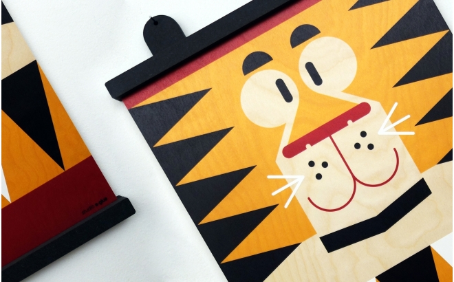 wooden print hanger Earwigo Tiger
