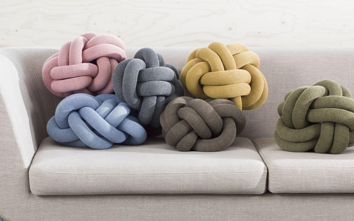 knot cushion (grey)