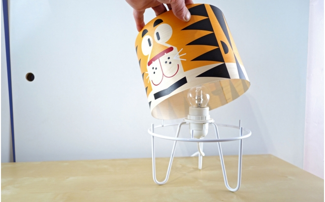 kids lighting Minilum Tiger, wood lampshade and metal base