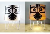 lámpara infantil Minilum Cebra, madera y metal blanco