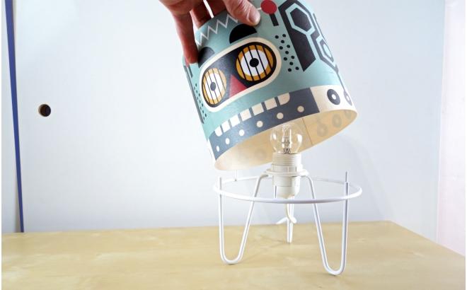 lampe chambre enfant Minilum Robot, bois et metal noir