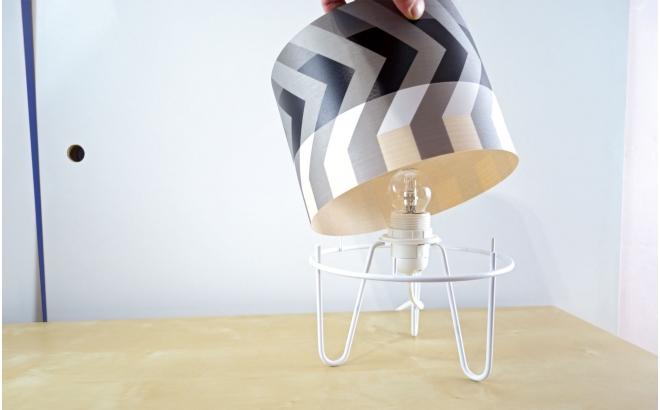lámpara infantil Minilum Mapache motivo geometrico blanco