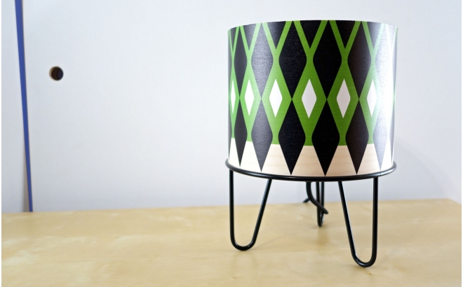lampe enfant Minilum motif géométrique Dino Noir