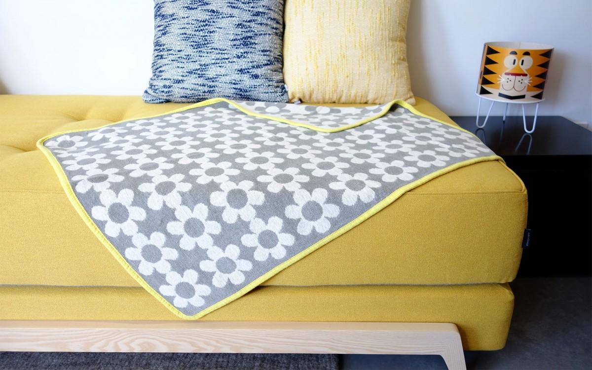 couverture coton flower power (gris)