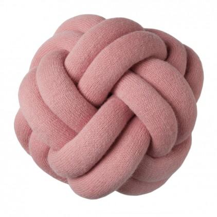 coussin enfant knot rose par Design House Stockholm