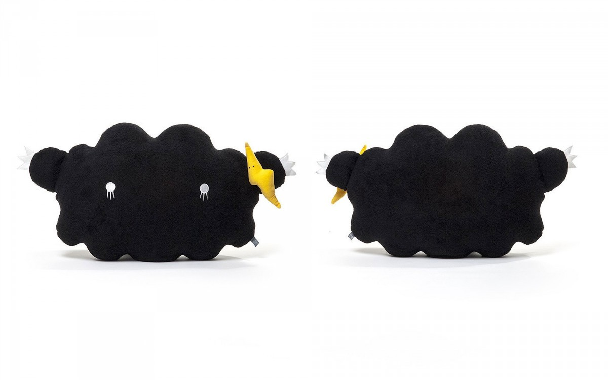 cloud plush cushion black