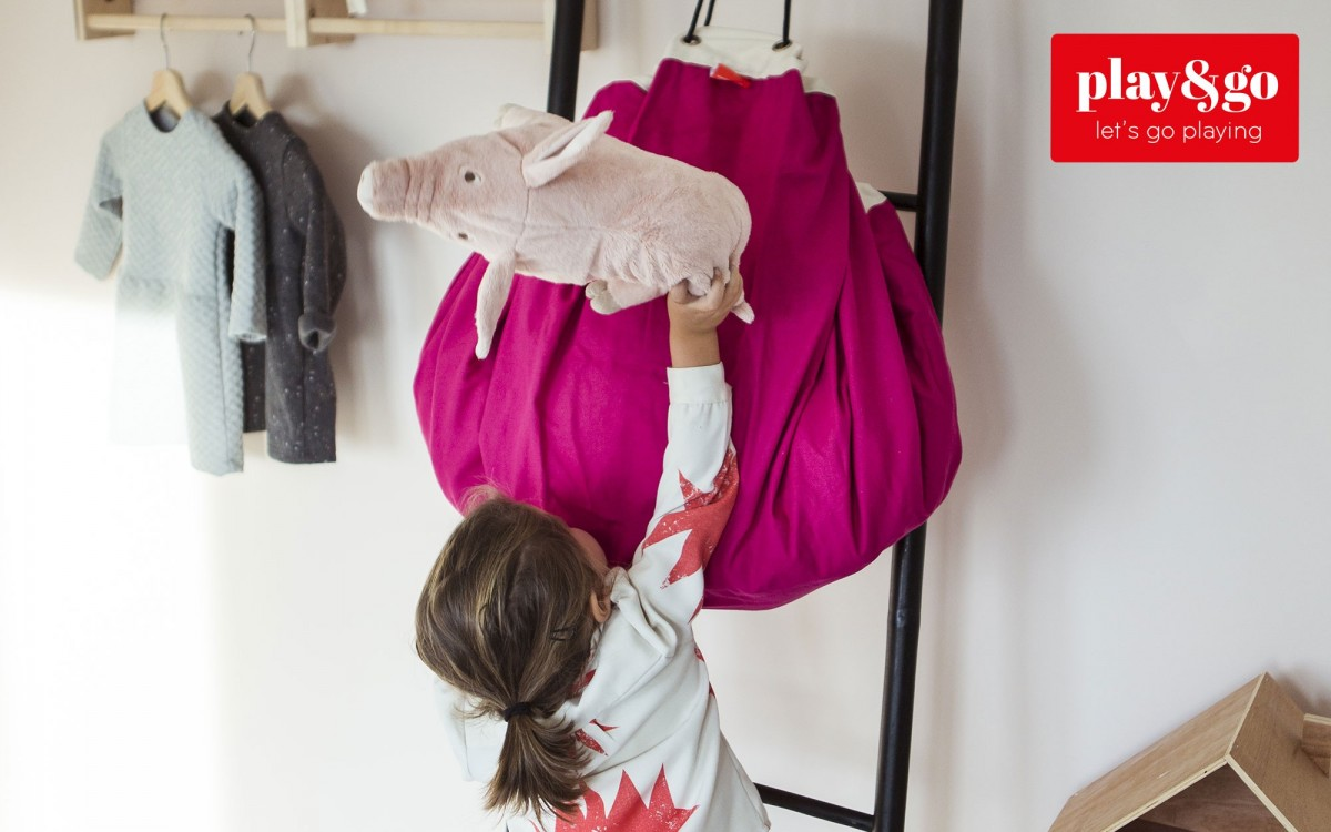 saco y manta de juegos rosa