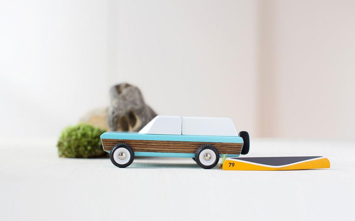 Pioneer voiture jouet en bois