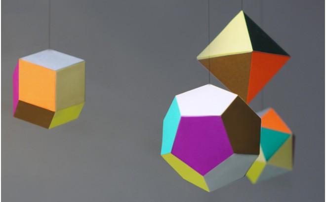 móvil diseño cuarto bebé, Themis por Artecnica