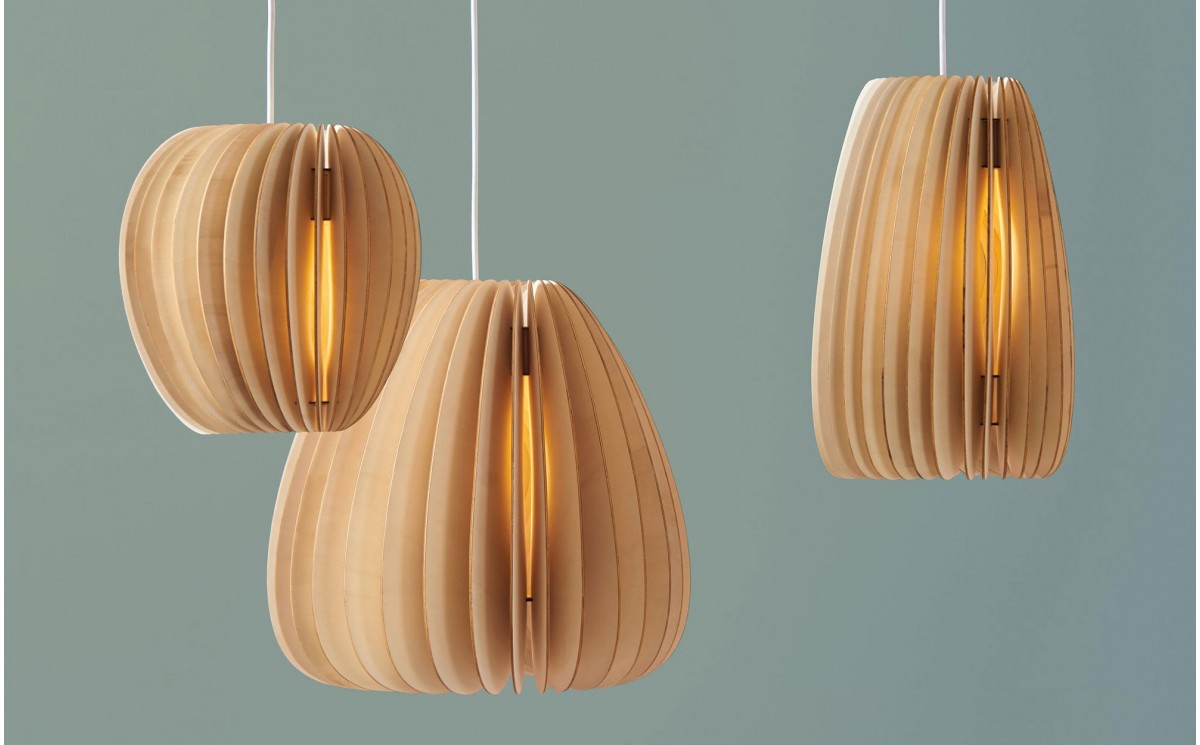 Lampe enfant pirum suspension design en bois pour for Lampe suspension en bois