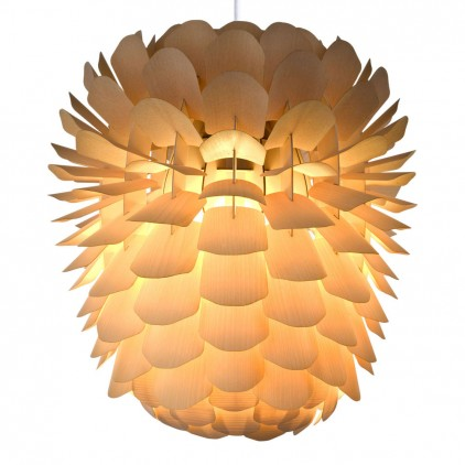 Zappy, lampe enfant bois pomme de pin par schneid