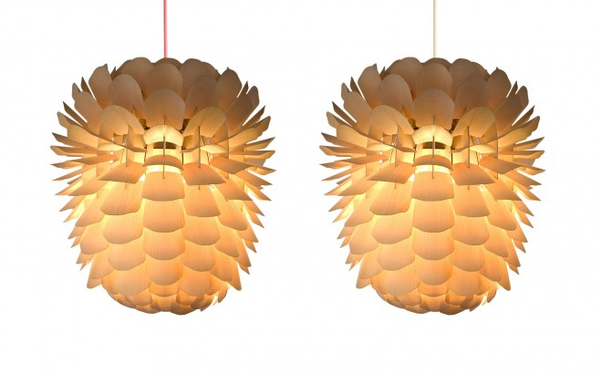 Zappy, lampe enfant bois pomme de pin