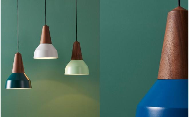 lampe eikon basic bois metal bleu par schneid design