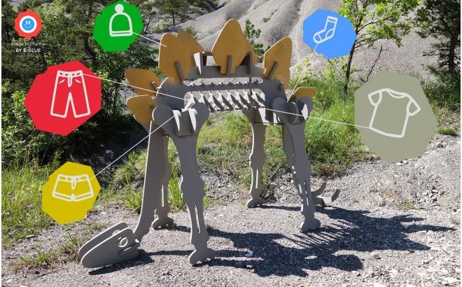 Portant à Vêtements Enfant en Bois en forme de Dino Stégosaure, STEGORAGE Portant Habits Garçon par le studio design E-Glue