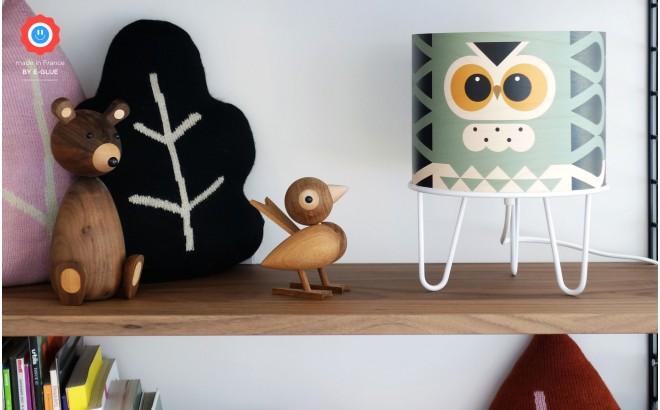 lampe chambre enfant Minilum Chouette, abat-jour bois
