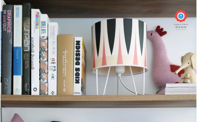 lampe enfant chambre fille, rose, noir et blanc
