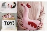 muñeco peludo Polla rosa para bebé por Main Sauvage