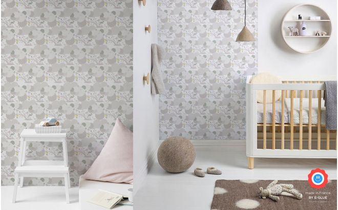 papel pintado infantil de pájaros y follaje gris para habitación bebé o niña