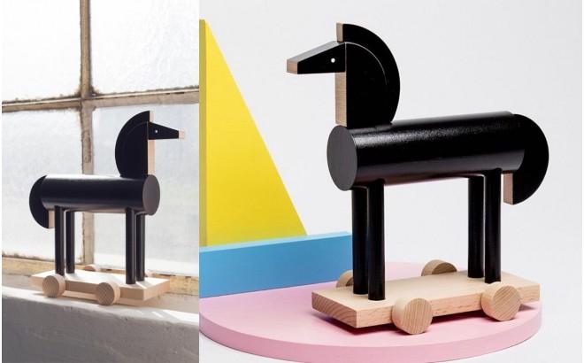 wooden black horse toy Noxus by Kutulu design