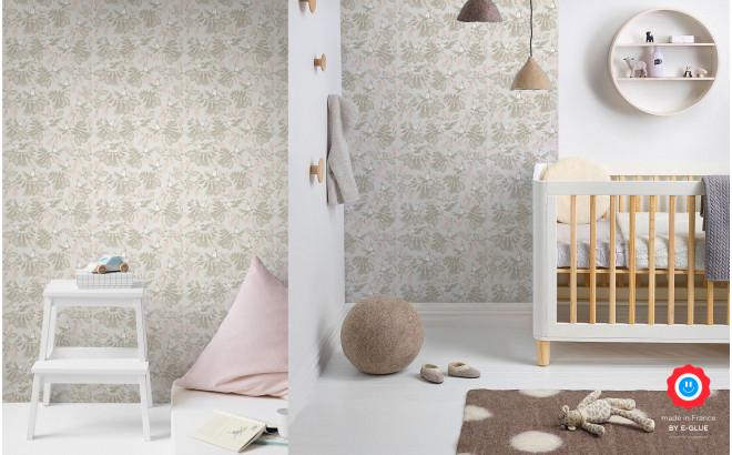 papier peint enfant oiseaux fleurs gris rose pour chambre bébé fille