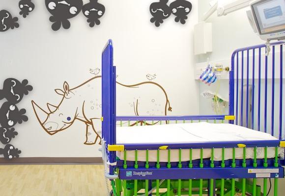CHILDREN'S WARD AT ARROWE PARK HOSPITAL - WIRRAL UNITED KINGDOM // e-glue rhino wall decal