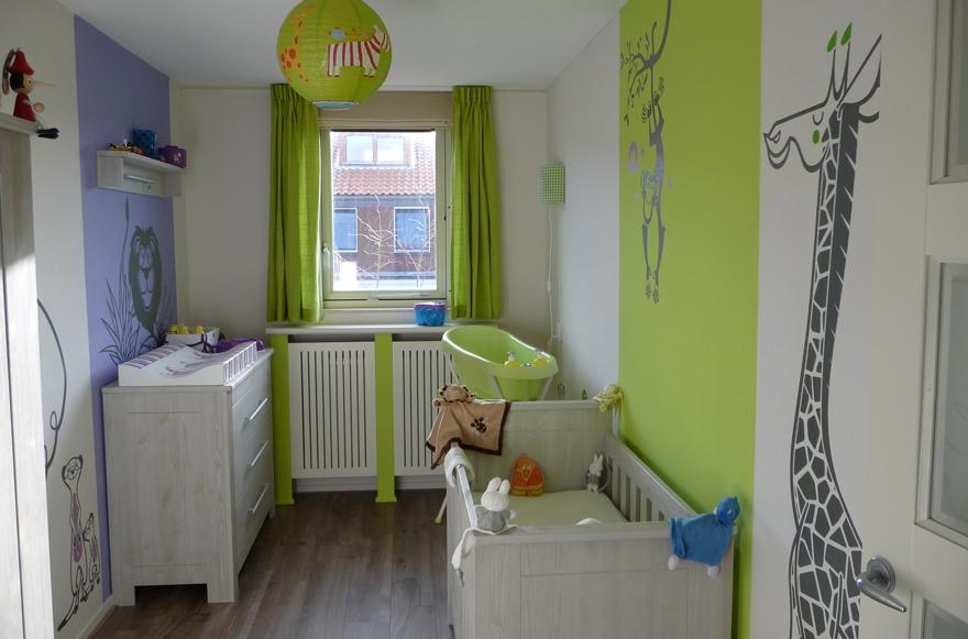 quelques stickers e glue pour une chambre d 39 enfant savane r. Black Bedroom Furniture Sets. Home Design Ideas