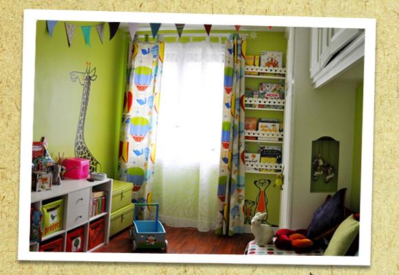 E-GLUE GIANT WALL DECALS // lovely uma ! savannah themed room decor
