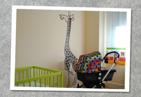 E-GLUE WALL DECALS FOR KIDS // giant giraffe wall sticker