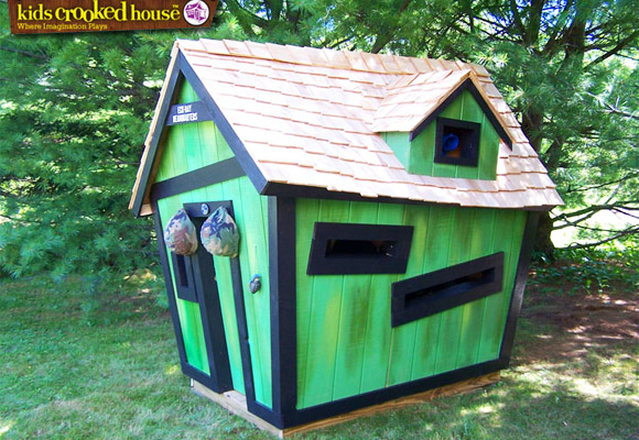 kids crooked house cabanes personnalis now for kids by e glue. Black Bedroom Furniture Sets. Home Design Ideas