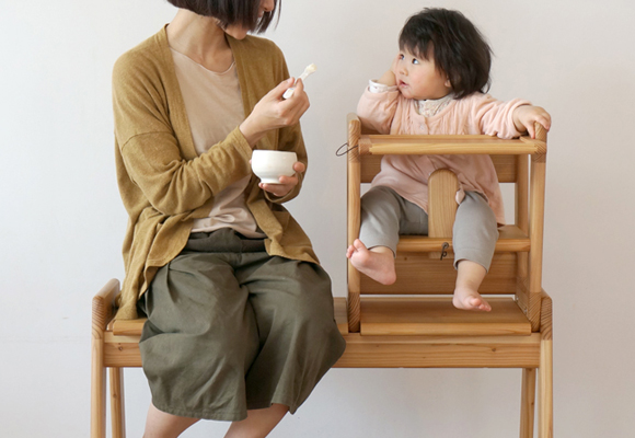 beautiful children's toys and furniture (desk, high chair, bench, sofa) by Take G