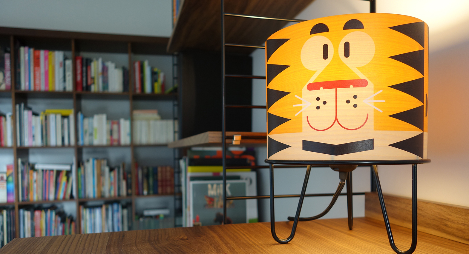 Minilum bedside lamp for nursery or kids room by E-Glue Design